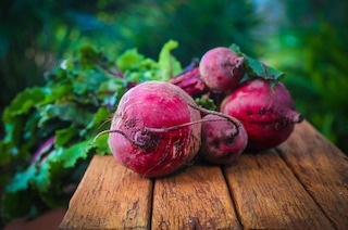 Beetroot : Nutrition and Benefits